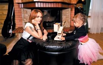 МакSим с дочерью 07